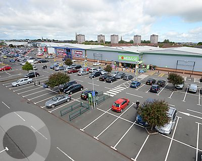 Riverway Retail Park - Picture 13