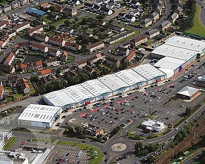 Riverway Retail Park - Picture 21